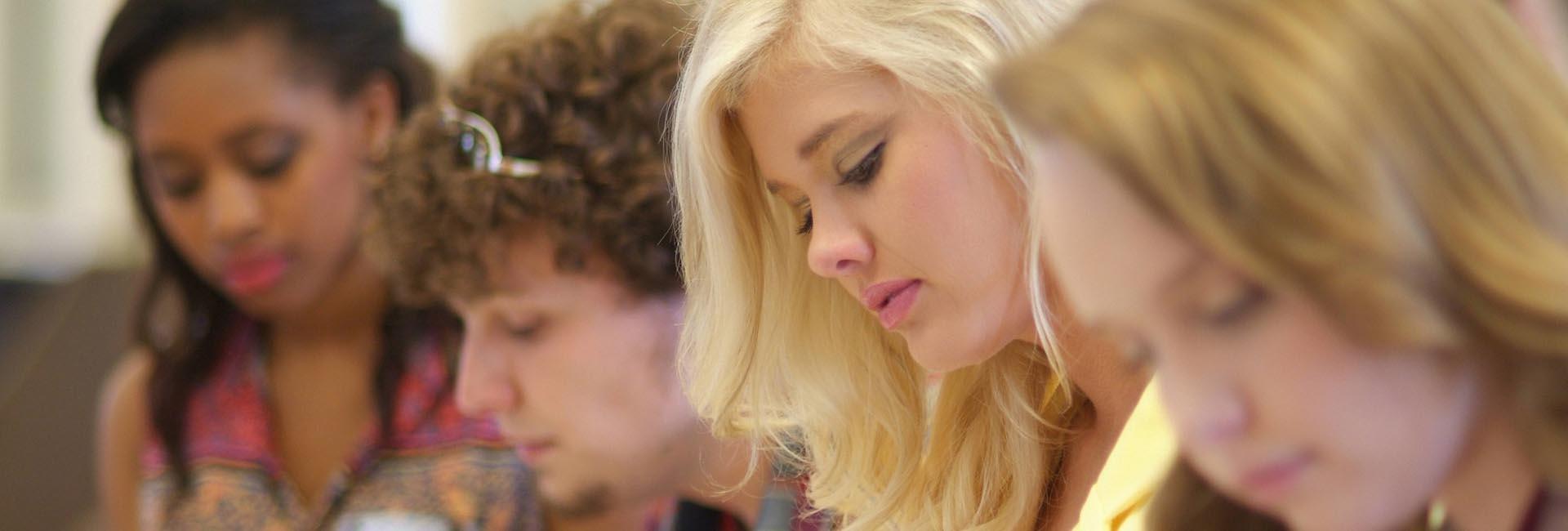 Abilitazione insegnamento e sostegno in Italia e all'estero,